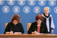 """Participarea premierului Viorica Dăncilă la ceremonia de semnare a protocolului de colaborare în vederea implementării eficiente a proiectului """"TEAM-UP:Progres în calitatea îngrijirii alternative a copiilor"""""""