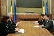 Întrevederea premierului Ludovic Orban cu Hans Klemm, ambasadorul Statelor Unite ale Americii în România, și cu Abigail Rupp, adjunctul șefului misiunii diplomatice a SUA în România