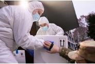 Participarea premierului Florin Cîțu la sosirea primului lot de doze de vaccin împotriva COVID-19 la Institutul Cantacuzino, Centrul Național de Depozitare.