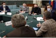 Participarea premierului Florin Cîțu, alături de ministrul Educației, Sorin Cîmpeanu, la o ședință pe tema beneficiilor vaccinării copiilor