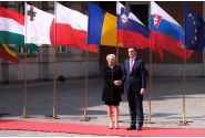 Întâmpinarea prim-ministrului Viorica Dăncilă de către Mateusz Morawiecki, prim-ministrul Republicii Polonia